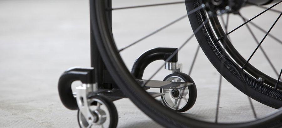 mono sedia a rotelle dettaglio rotelline