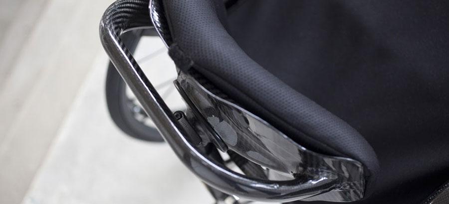 mono sedia a rotelle dettaglio manico