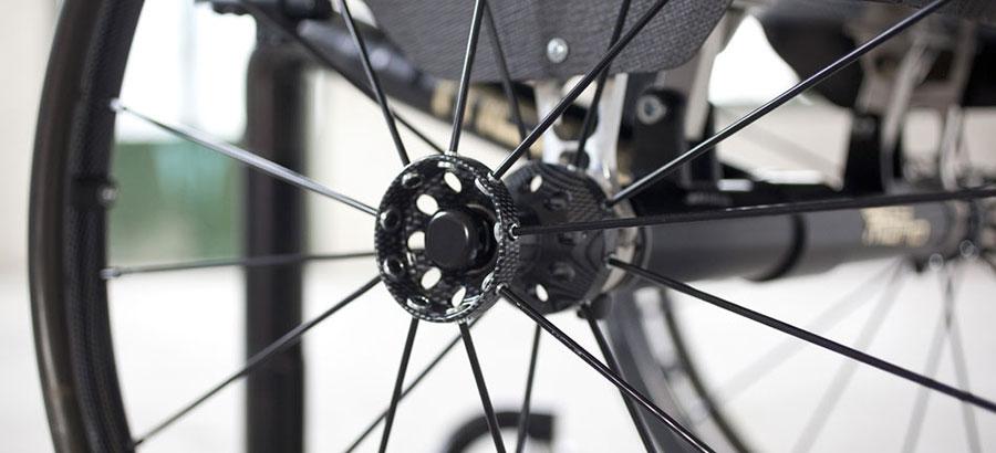 mono sedia a rotelle dettaglio ruota
